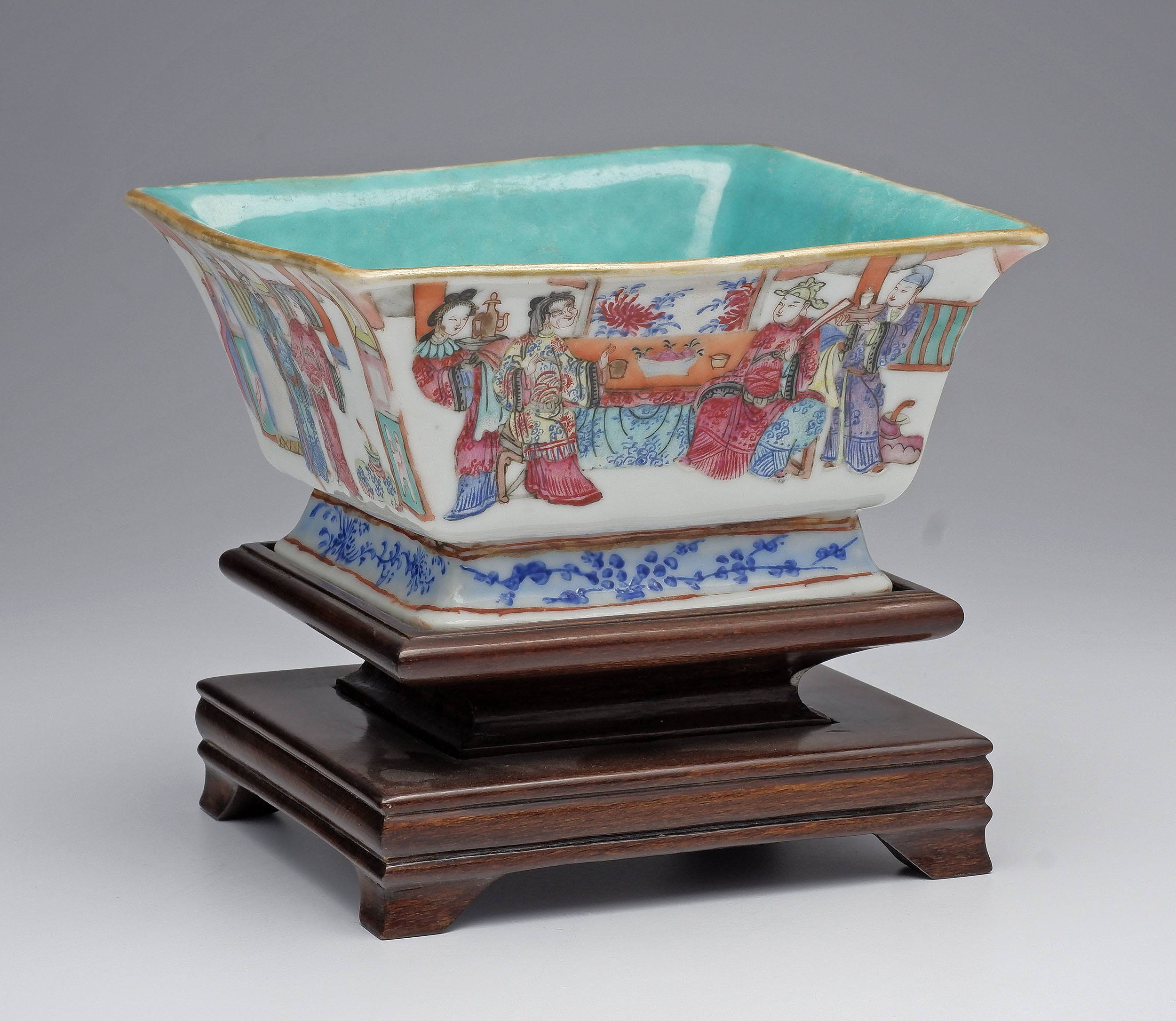 'Chinese Famille Rose Square Bowl with Turquoise Interior, Tongzhi Seal Mark, Late 19th Century'