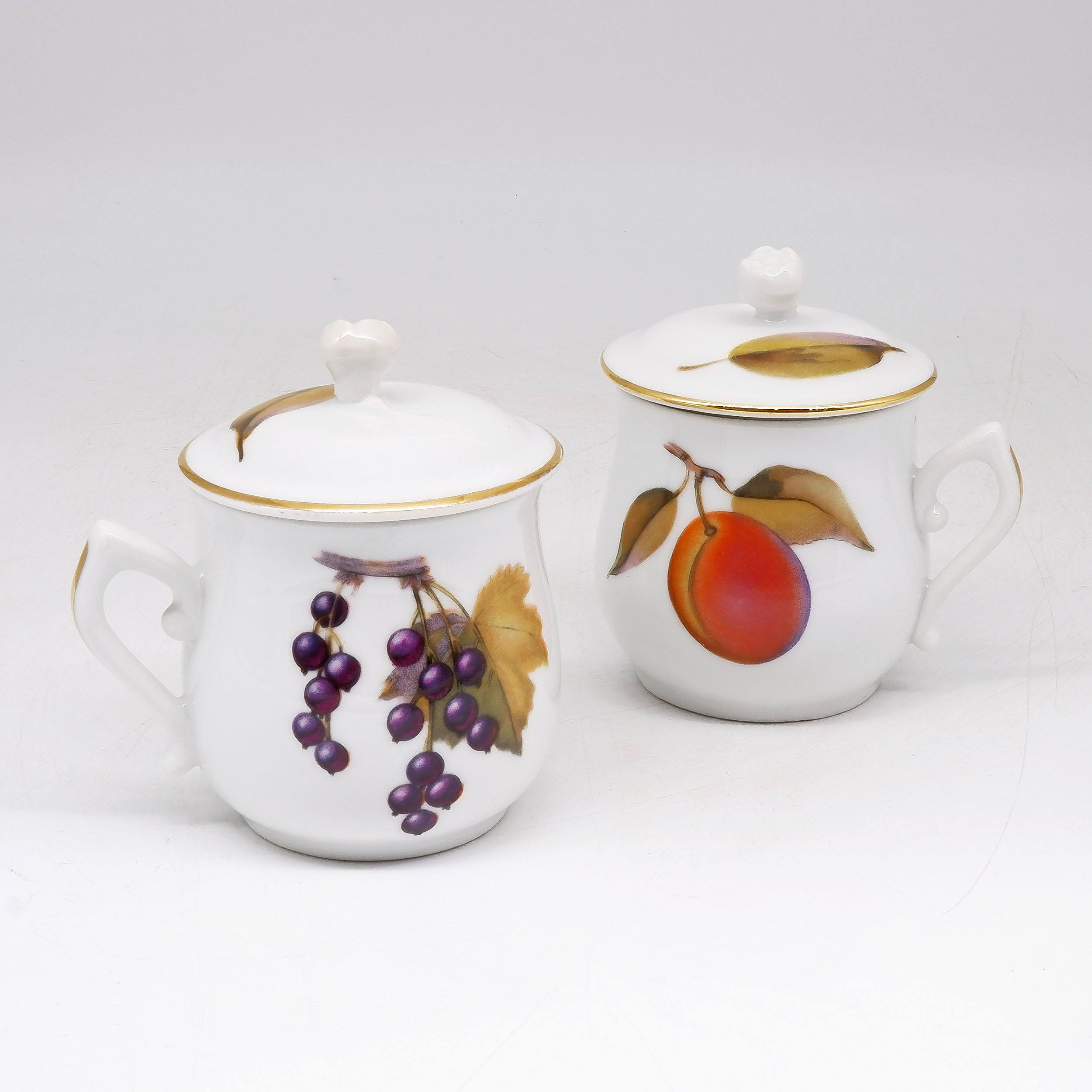 'Royal Worcester Set of Six Flameproof Porcelain Pot de Creme Chocolate Servers'