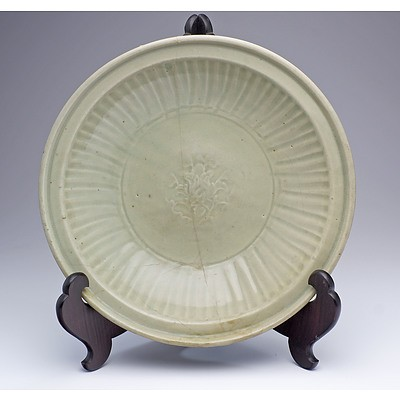 Large Chinese Longquan Celadon Dish, Ming Dynasty