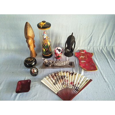 Assorted Oriental ornaments including wooden sculpture