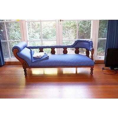 An Australian Silky Oak Chaise Lounge Circa 1910