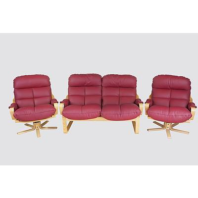 Tessa 'Atlantis' Reddish Maroon Leather Upholstered Lounge Suite Designed by Fred Lowen