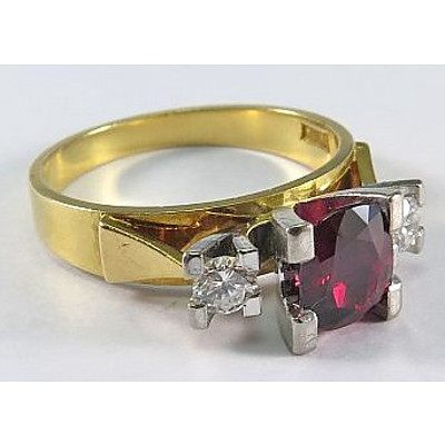 Natural Ruby & Diamond Ring-18ct Gold