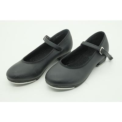 Size 2 Senior Dttrol Tap Shoes