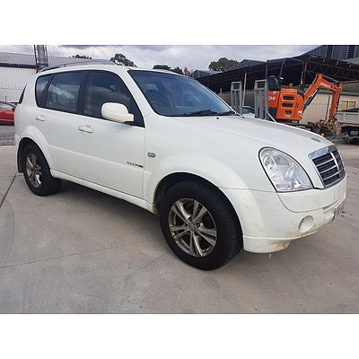 11/2011 Ssangyong Rexton Ii Rx270 Xdi (7 Seat) Y200 MY10 UPGRADE 4d Wagon White 2.7L