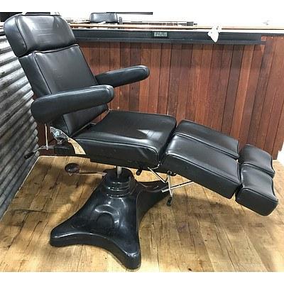 Black Vinyl Fully Adjustable Chair