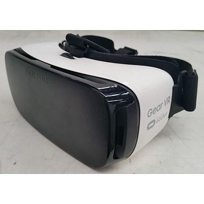 Samsung (SM-R322) Gear VR White Virtual Reality Headset