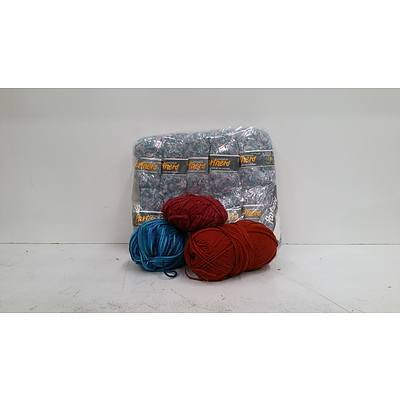 2 Large Bags Of Knitting Accesories & Wool