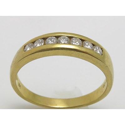 18ct Gold Ring - 7 Round Brilliant-cut Diamonds