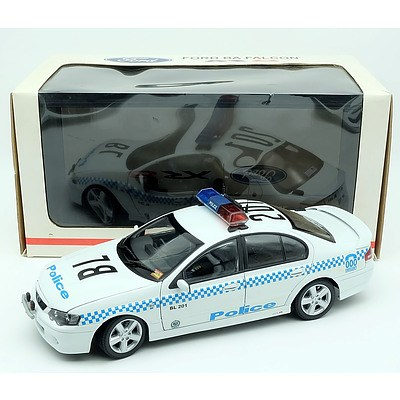 Biante Ford Falcon Police Edition XR8 1:18 Scale Model Car