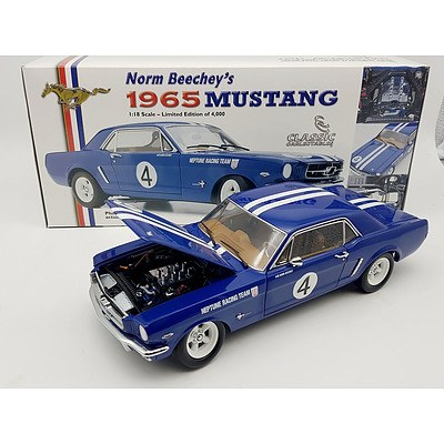Classic Carlectables 1965 Ford Mustang 1:18 Scale Model Car
