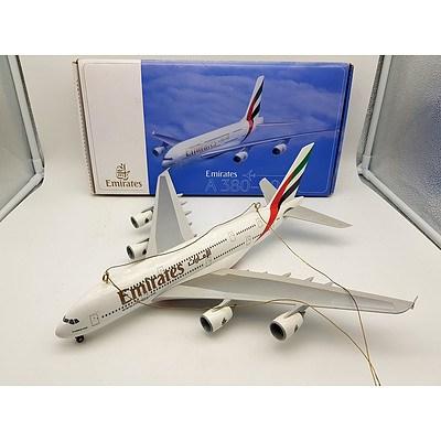 Emirates A380-800 Model Plane