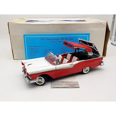 Franklin-Mint 1957 Ford Fairlane Skyliner 500 1:24 Scale Model Car
