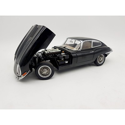 AUTOart Jaguar E-Type Black 1:18 Scale Model Car