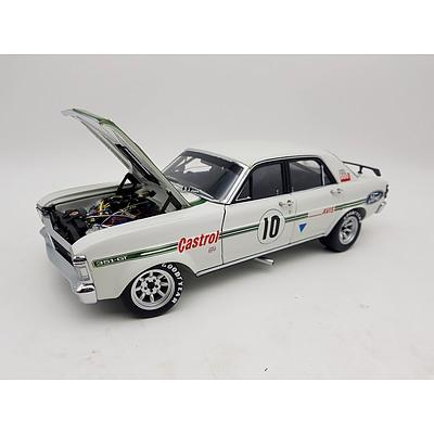 Classic Carlectables 1972 Ford Falcon Super GT-HO Castrol Racing 1:18 Scale Model Cars