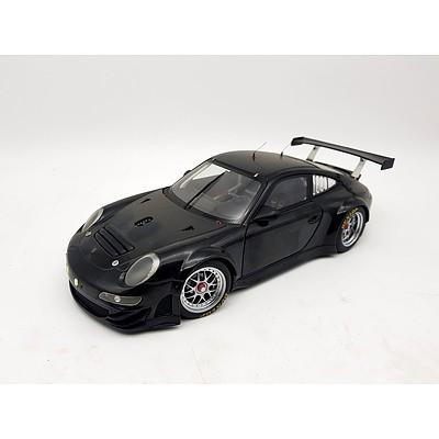 AUTOart Porsche 911 GT3 RSR 1:18 Scale Model Car