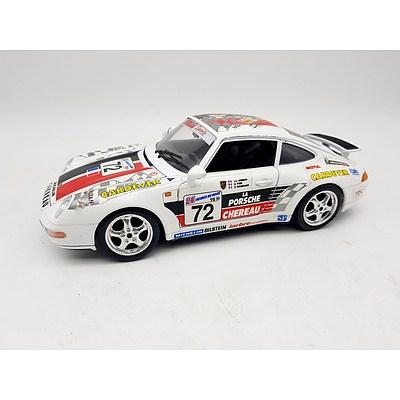 Bburago 1993 Porsche 911 Carrera 1:18 Scale Model Car