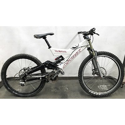 Astrix Havoc 9 Speed Downhill Mountain Bike