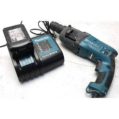 Makita HR2230 22mm Rotary Hammer Drill & 18V Li-Ion Battery Charger with Battery