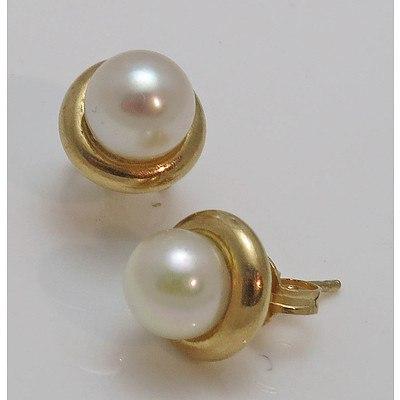 9ct Pearl Earrings