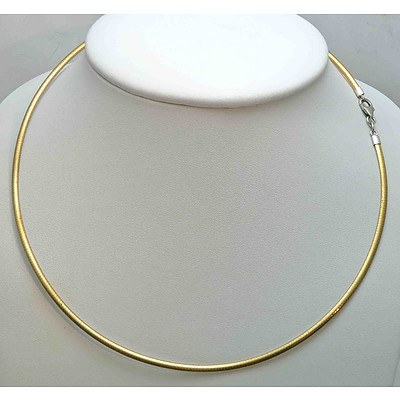 Italian 10ct Gold Omega Cable