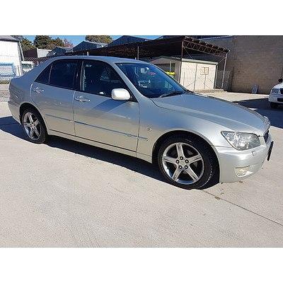 3/2002 Lexus IS300  JCE10R 4d Sedan Silver 3.0L