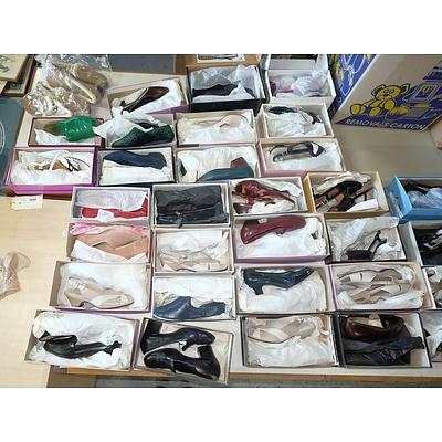 Very Large Group of Ladies Footwear, Size 6-7