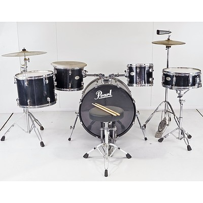 Pearl Forum Series 4-Piece Drum Set