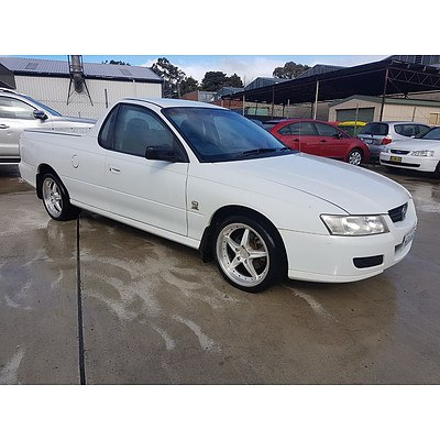 10/2004 Holden Commodore VZ Utility White 3.6L
