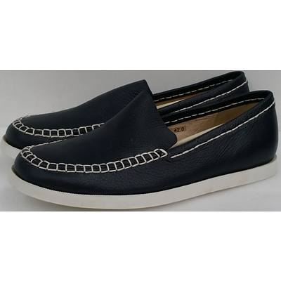 Hotdog Brand Men's Navy Blue Boat Shoes - Size 40 and Size 42 - Lot of 10 Pairs - Brand New
