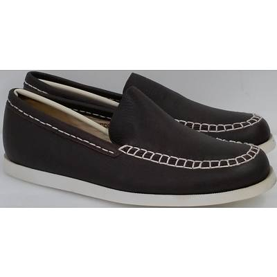 Hotdog Brand Men's Brown Boat Shoes - Size 41 and Size 42 - Lot of 10 Pairs - Brand New