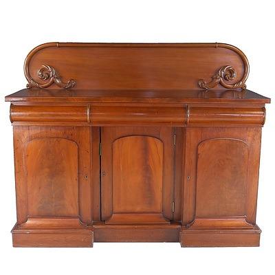 Australian Cedar Breakfront Sideboard Attributed to Andrew Lenehan Circa 1865 Key in office