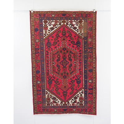 Persian Qashqai Hand Knotted Wool Pile Rug