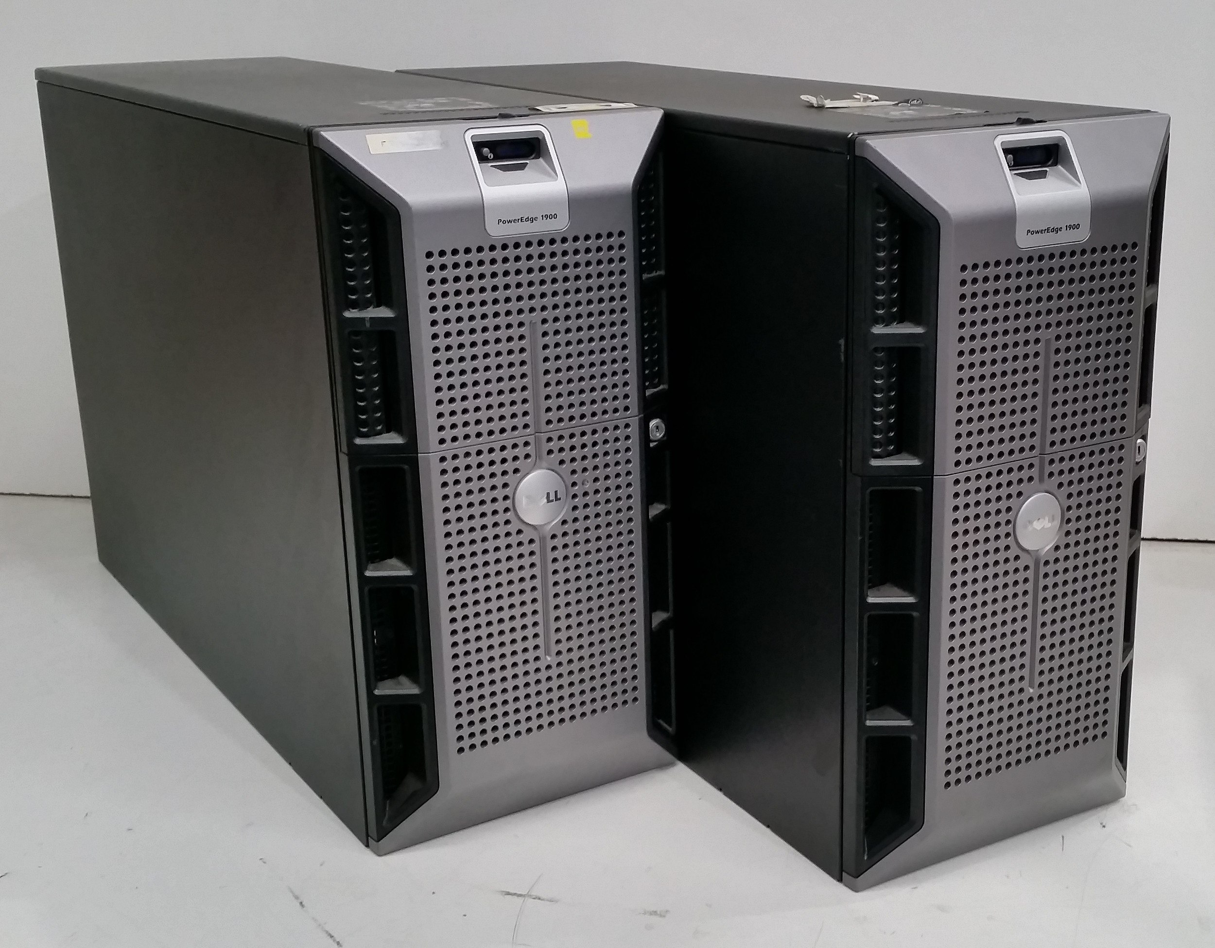 Dell PowerEdge 1900 Quad-Core Xeon (E5310) 1 60GHz and Xeon (E5320) 1 86GHz  Tower Servers - Lot of Two