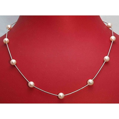 Italian 18ct White Gold Pearl Necklace