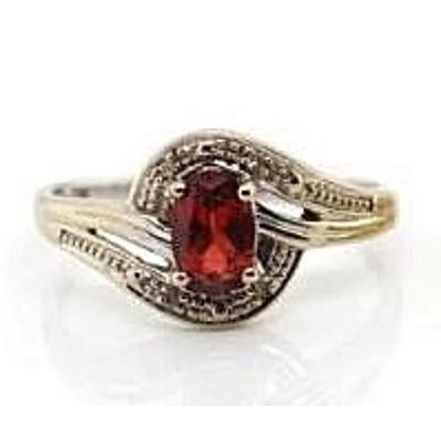 9ct White Gold Ring - Garnet with 4 Diamonds
