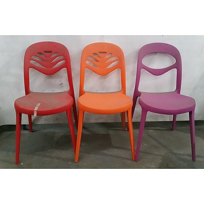 Funky Retro Style Plastic Chairs - Lot Of 5