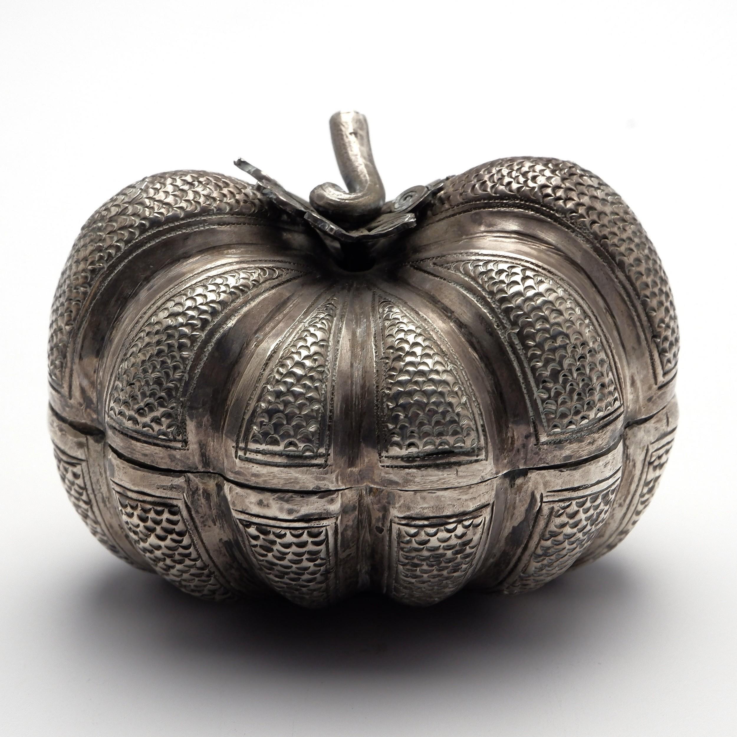 'Lao Silver Pumpkin Form Tobacco Box'