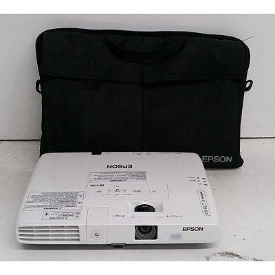 Epson (EB-1750) XGA 3LCD Projector