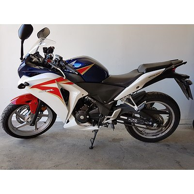 02/2011 Honda CBR250R 250cc Motor Cycle