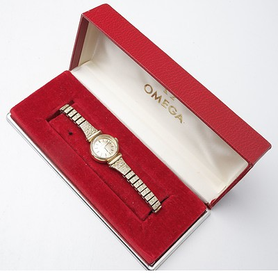 Ladies Omega Wrist Watch in Original Box