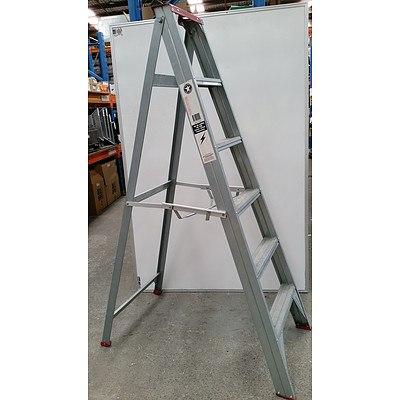 Geelong Ladders 1.7 Meter Aluminium Step Ladder