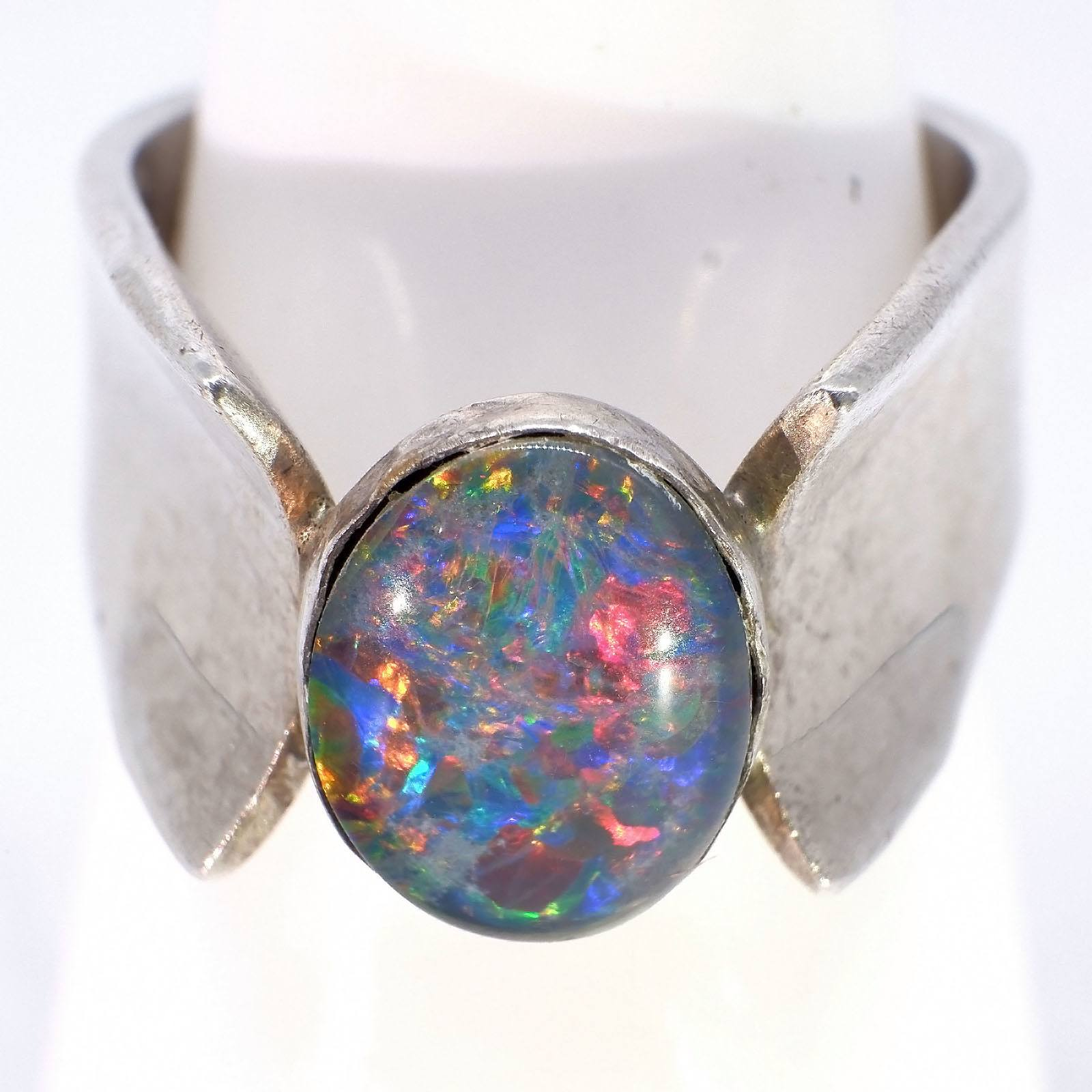 '18ct White Gold Ring With Oval Black Opal Triplet, 6.4g'