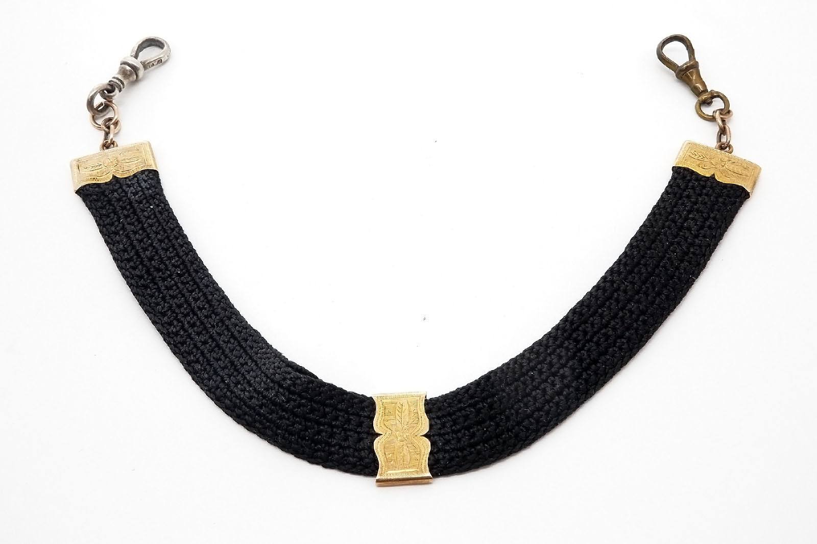 '9ct Yellow Gold and Fabric Lead, '