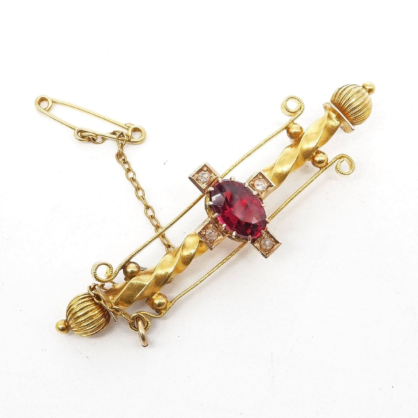 'Antique 15ct Yellow Gold Bar Brooch with at Centre Oval Facetted Garnet Topped Doublet and Four Rose Cut Diamonds Set in a Cross, 5.9g'