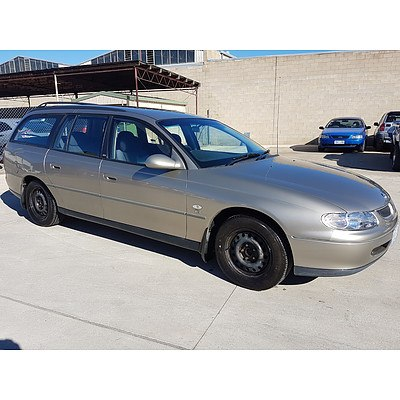 6/1999 Holden Commodore Acclaim VTII 4d Wagon Gold 3.8L