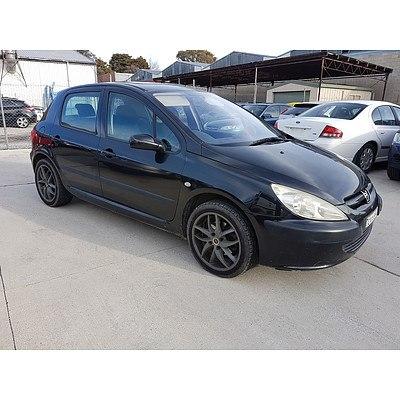 9/2002 Peugeot 307 1.6  5d Hatchback Black 1.6L