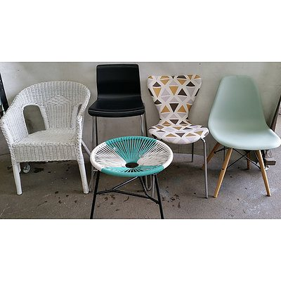 Indoor/Outdoor Chairs and Table - Lot of Five