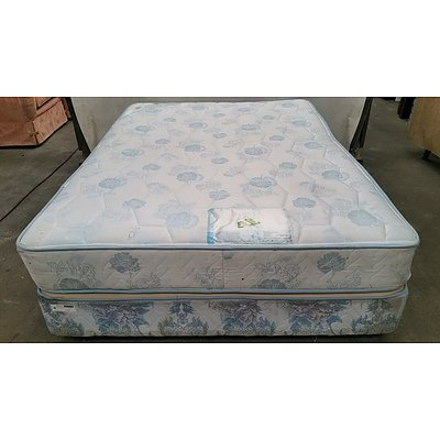 Double Ensemble Bed and Mattress