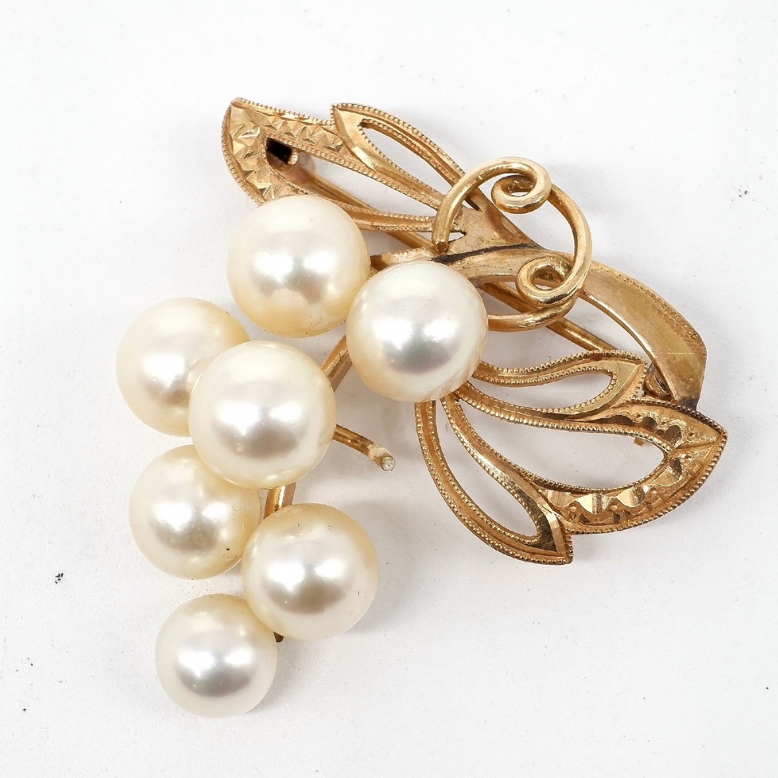 '14ct Yellow Gold Pearl Brooch,  Bunch of Grapes Design with Seven Round Cultured Pearls, 5.7g'